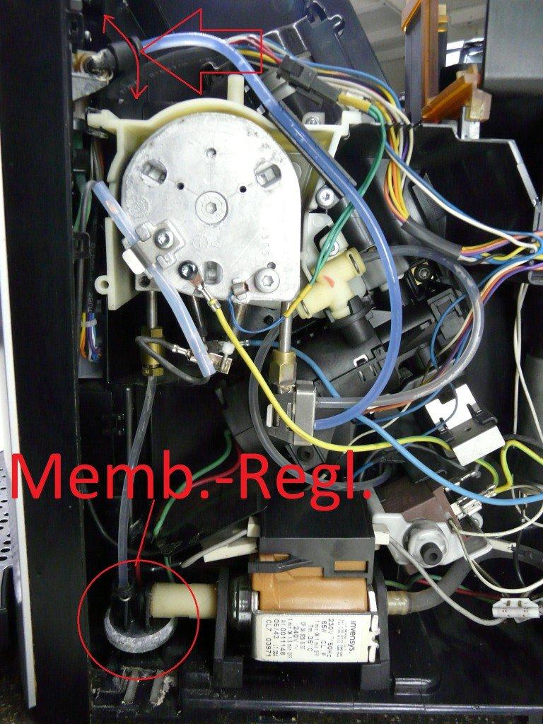 Jura F50, Membranenregler verliert Wasser, Schimmel Kaffeeauslauf (2)