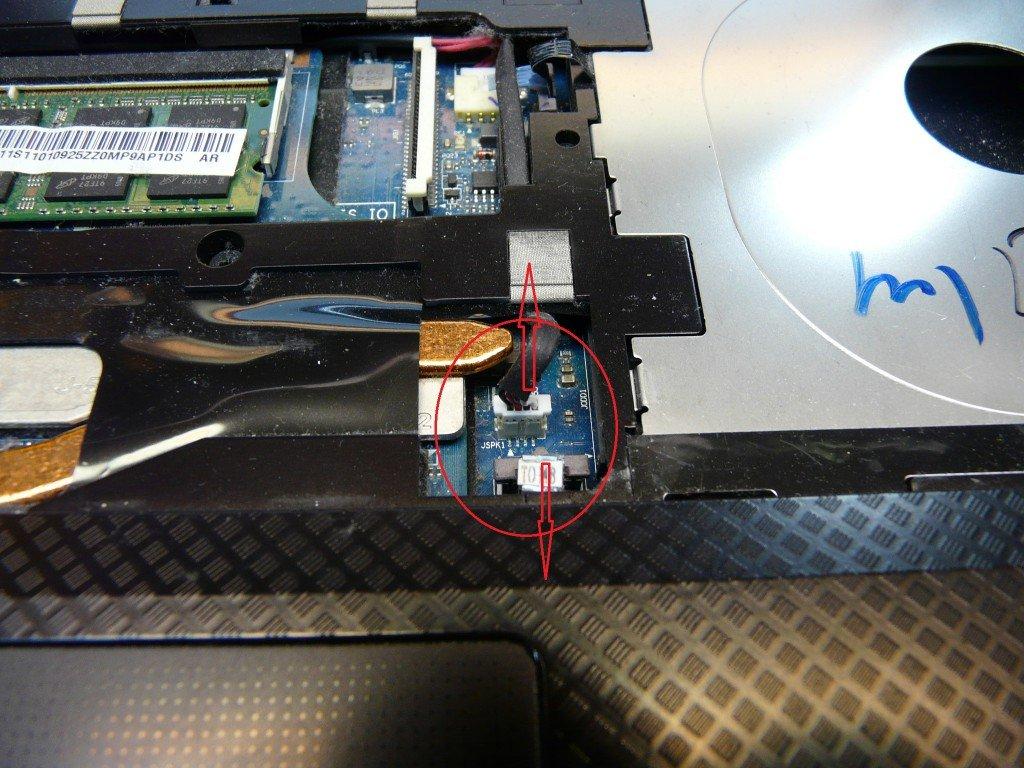 Lenovo IdeaPad U450p Scharniere Defekt (17)