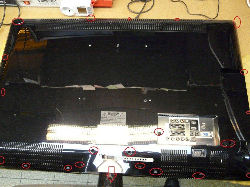 Samsung LE37M87 geht schwer an, kondensatoren defekt (2)