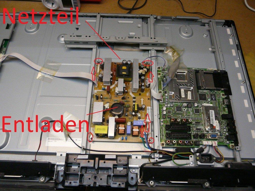 Samsung LE37M87 geht schwer an, kondensatoren defekt (3)