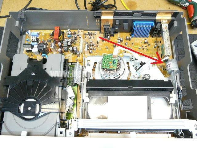 Sony SLV-D910E Kassete kommt nicht raus (3)