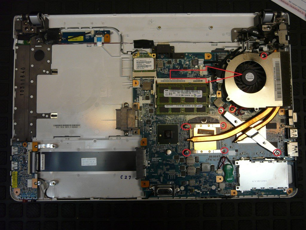 Sony Vaio VPCEB4M1E, Lüfter Defekt (4)