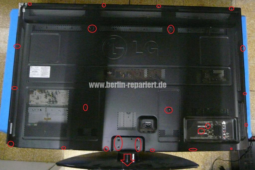 LG 50PQ3000, EBT58011921, Streifen in Bild(1)