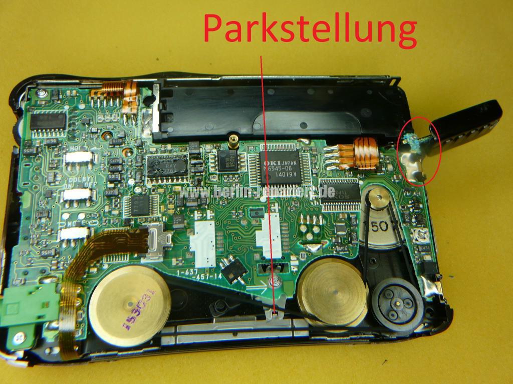 SONY WM-EX70, Batterie ist ausgelaufen, Laufwerk klemmt (4)