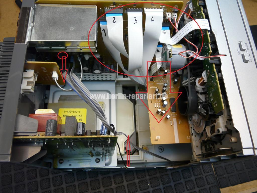 Sony HCD-CP333, CD klemmt (2)