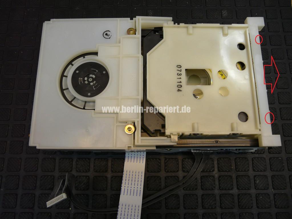 Sony HCD-CP333, CD klemmt (9)