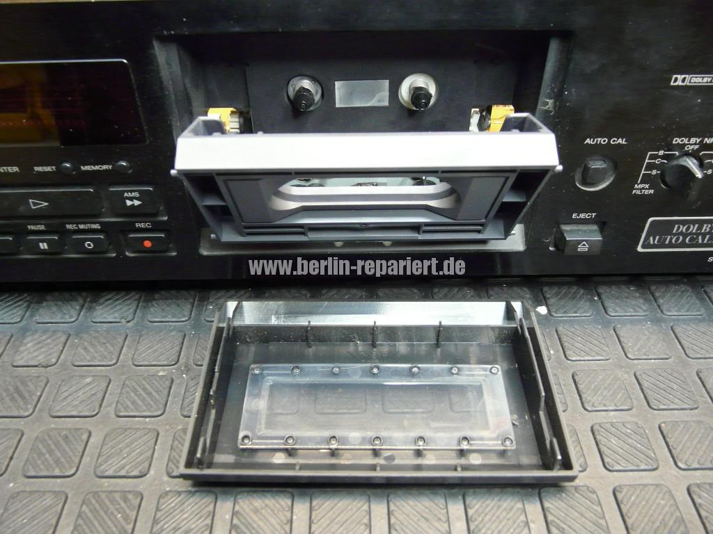 Sony TC-KB820S, Laufwerk Defekt (5)