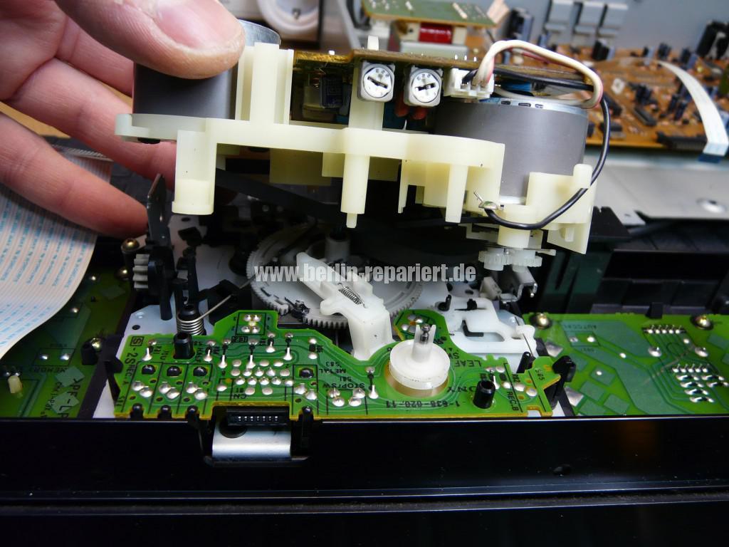 Sony TC-KB820S, Laufwerk Defekt (8)