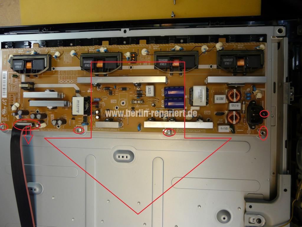 Samsung LE40B530, geht aus, lässt sich nicht bedienen (7)