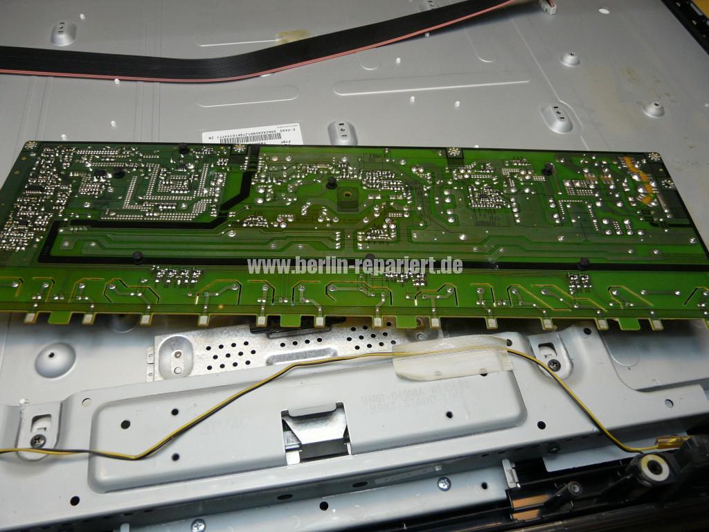 Samsung LE40B530, geht aus, lässt sich nicht bedienen (8)