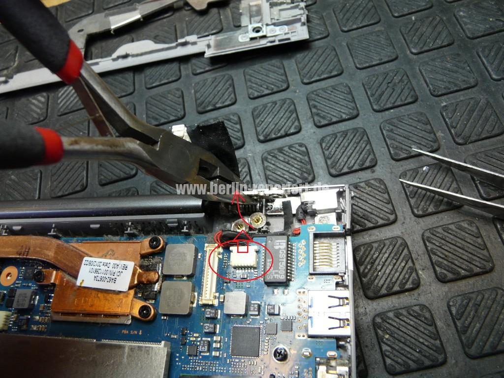 Samsung NP535U, Netzbuchse Defekt, Netzbuchse tauschen (9)