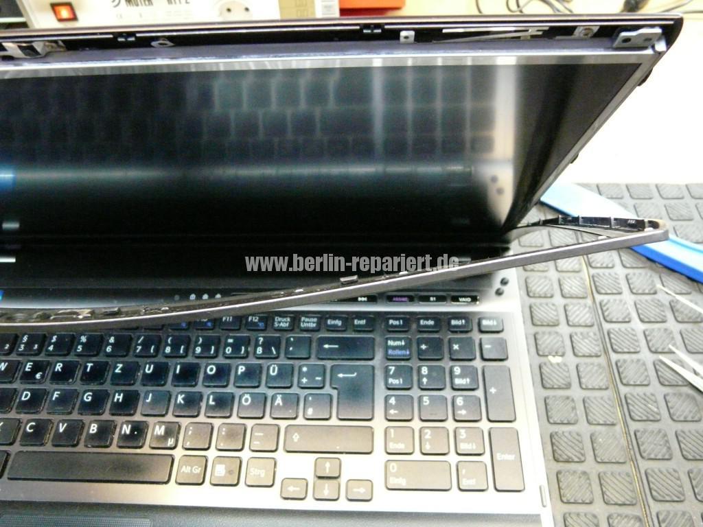 Sony Vaio VPCF12Z1E, Display Defekt (4)