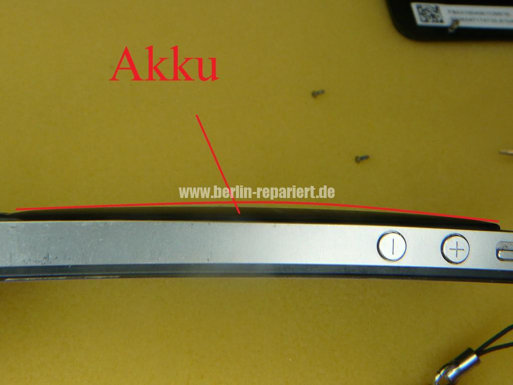 iPhone 4S Aufgeblähter Akku, Lebensgefährlich (4)