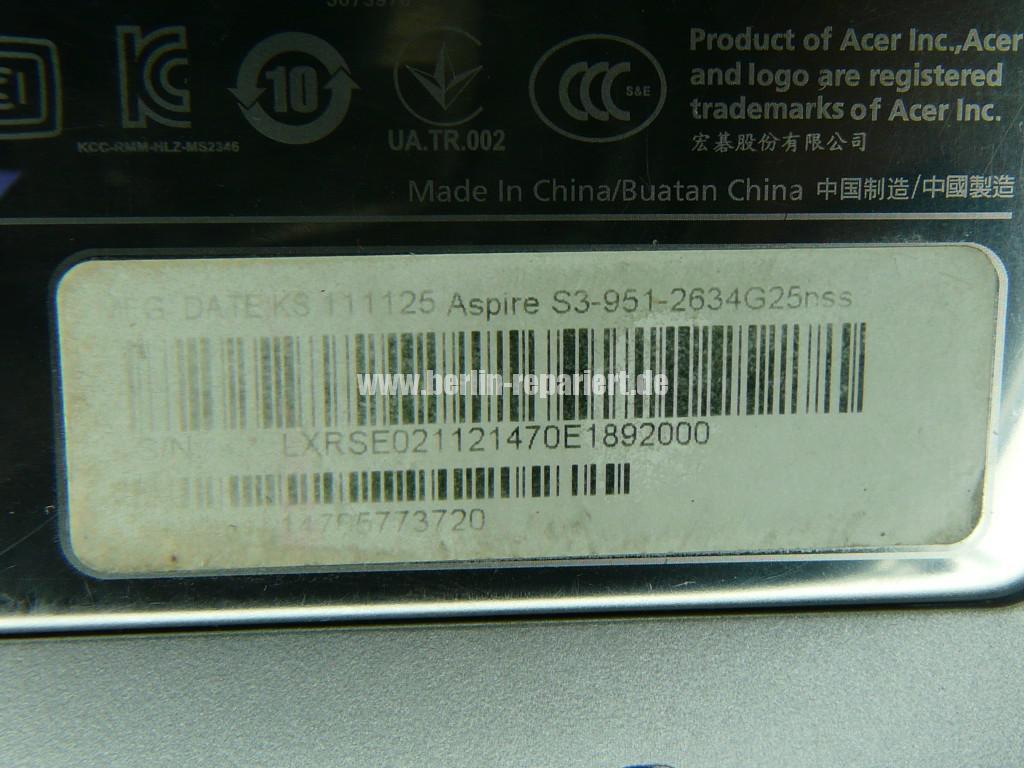 ACER Aspire S3, Display defekt, kein Bild, nur noch Weiß (12)