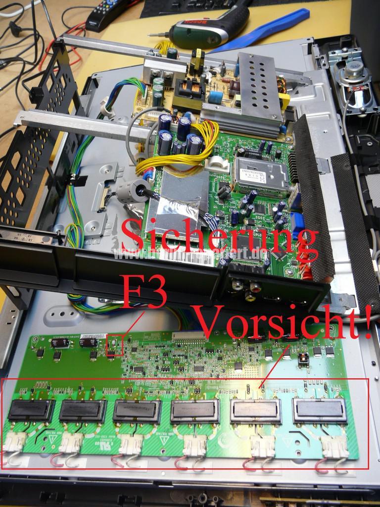 Grundig Vision 3 26-3821, kein Bild nur Ton (7)