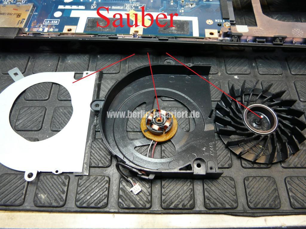 Packard bell Easy Note TK 85, Lüfter macht Geräusche, Lüfter Revidieren (11)