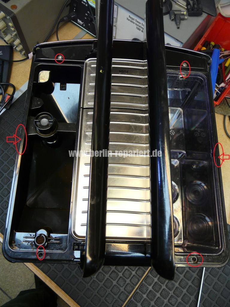 Philips Saeco Xprelia HD8943, verliert Wasser (3)