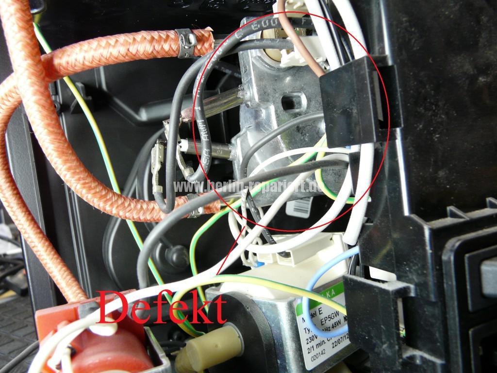 Philips Saeco Xprelia HD8943, verliert Wasser (9)