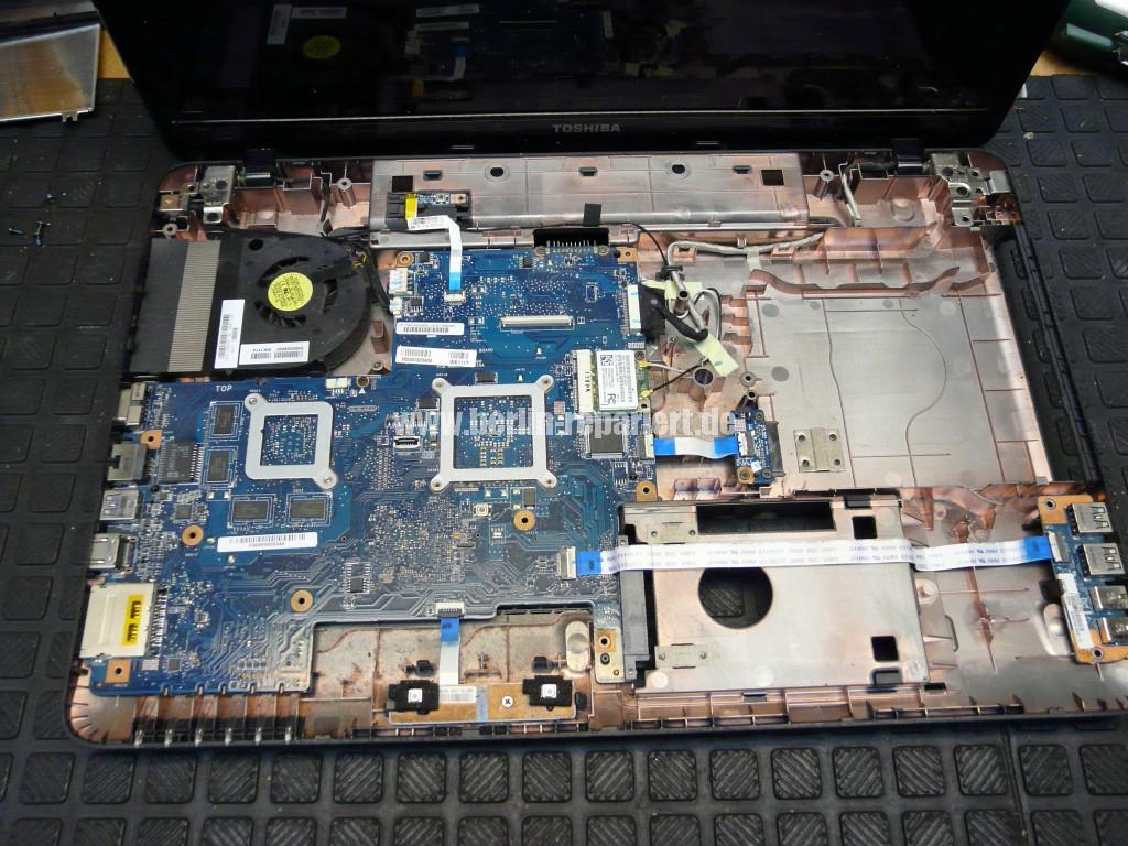 Toshiba Satellite L755, sehr langsam, Lüfter reinigen (7)