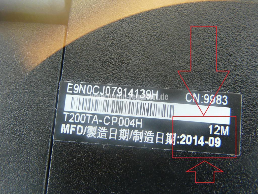 ASUS T200TA, zeigt Akku leer, geht nicht an (13)