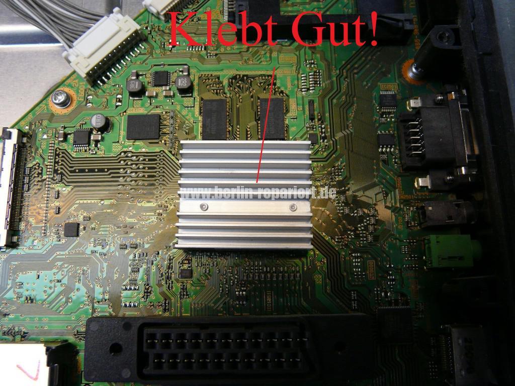 Sony KDL46HX755, geht Aus und Blinkt (12)