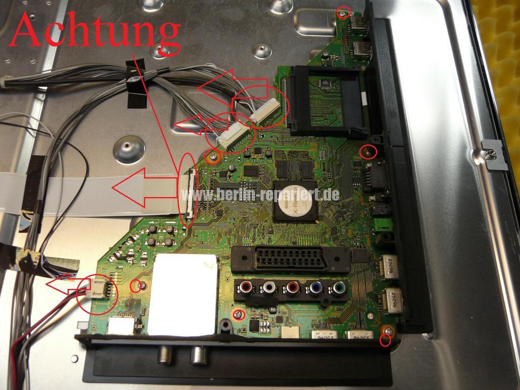 Sony KDL46HX755, geht Aus und Blinkt (4)