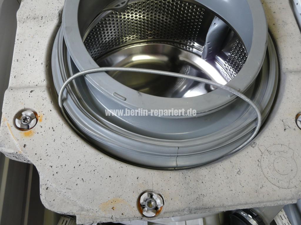 Zanusi ZW12126, Gummimanschette defekt (2)