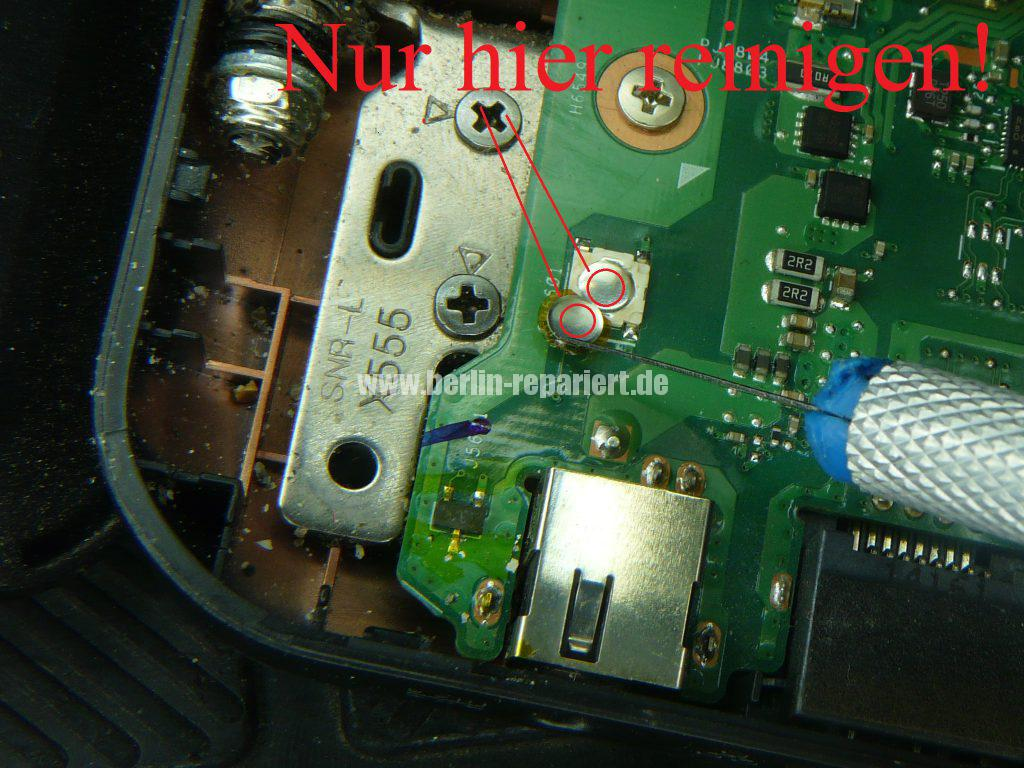 ASUS F555, geht schwer an, Power Taste defekt (9)