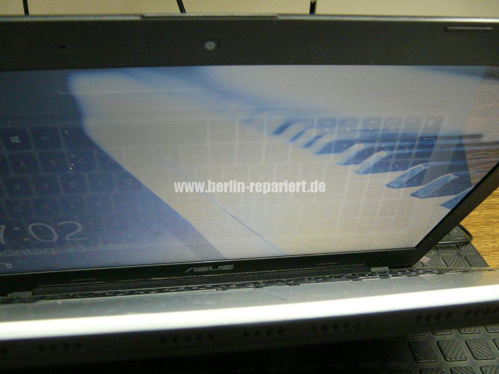 ASUS R505CB, kein Bild in aufgeklappten zusatnd (2)