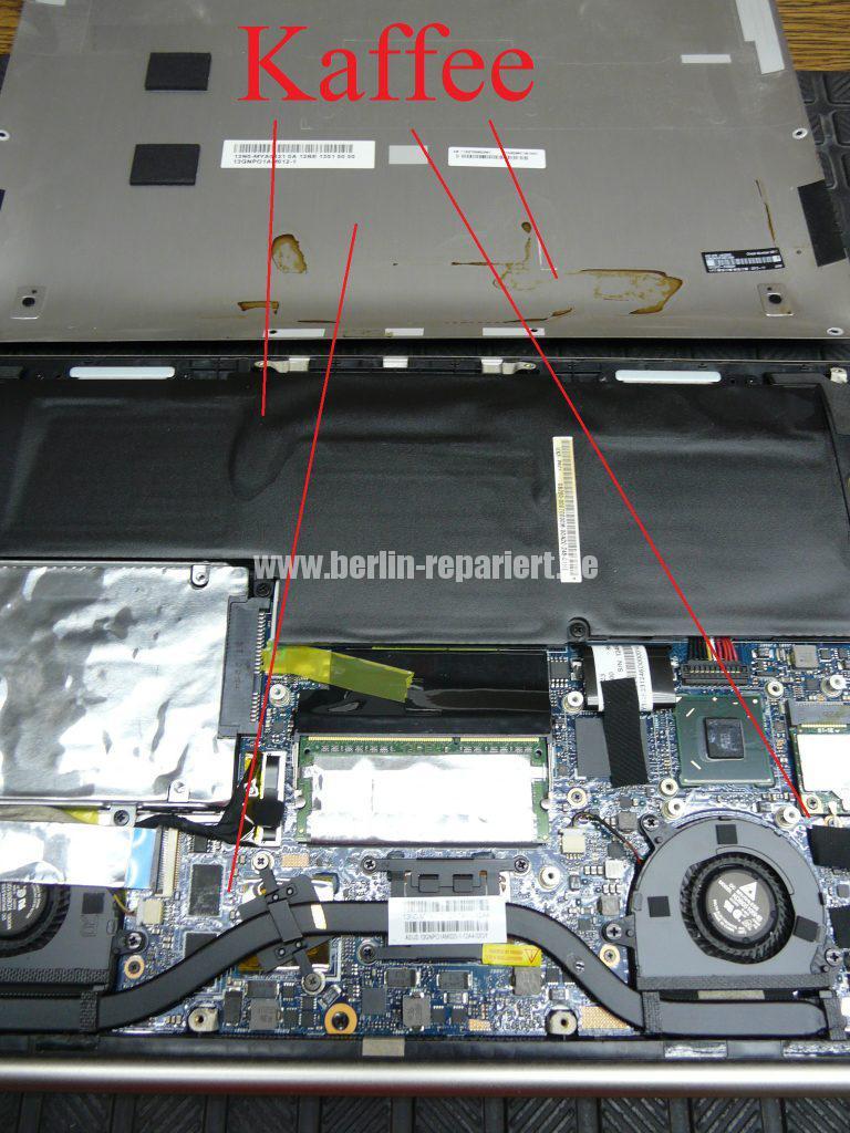 ASUS UX32VD, Flüßigkeitschaden (2)