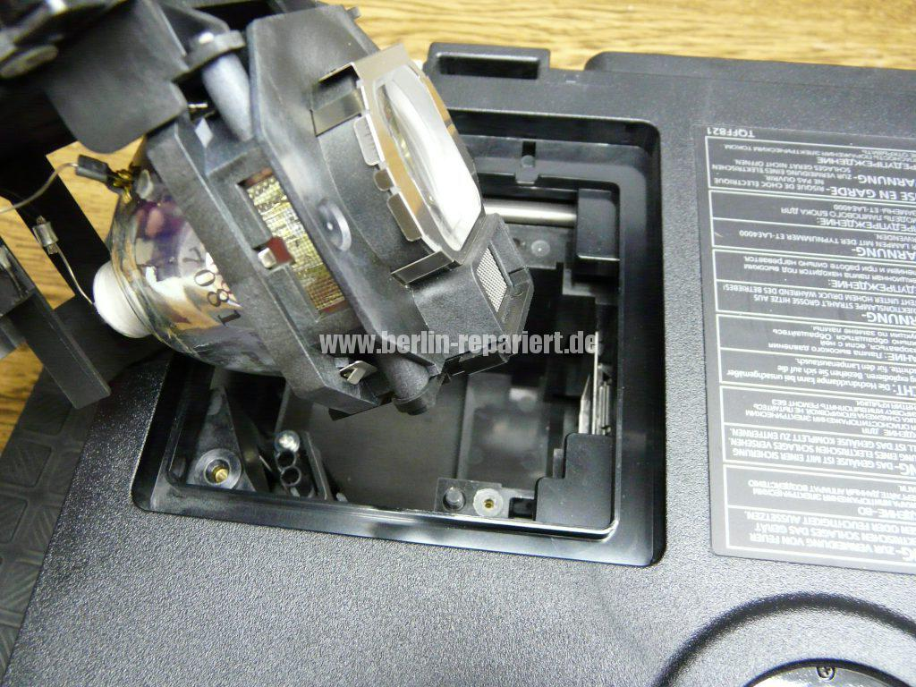 Panasonic PT-AE4000 Punkten in Bild, Reinigen (5)
