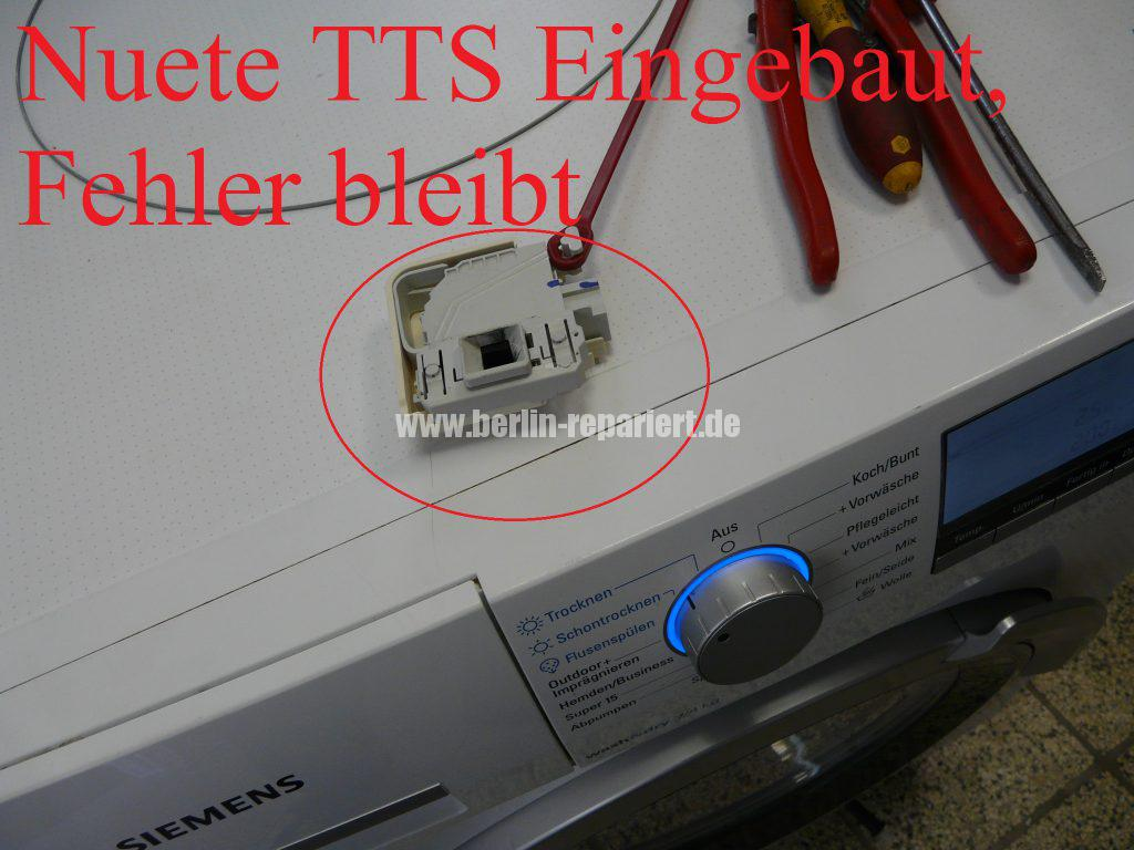 Siemens IQ700, zieht kurz Wasser dann bleibt stehen; Tür Verriegelung defekt (5)
