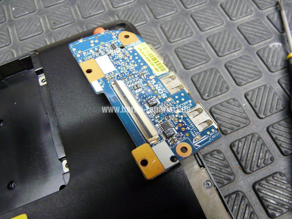 Sony Vaio VPCEB3Z1E, Kopfhörerbuchse verstopft (4)
