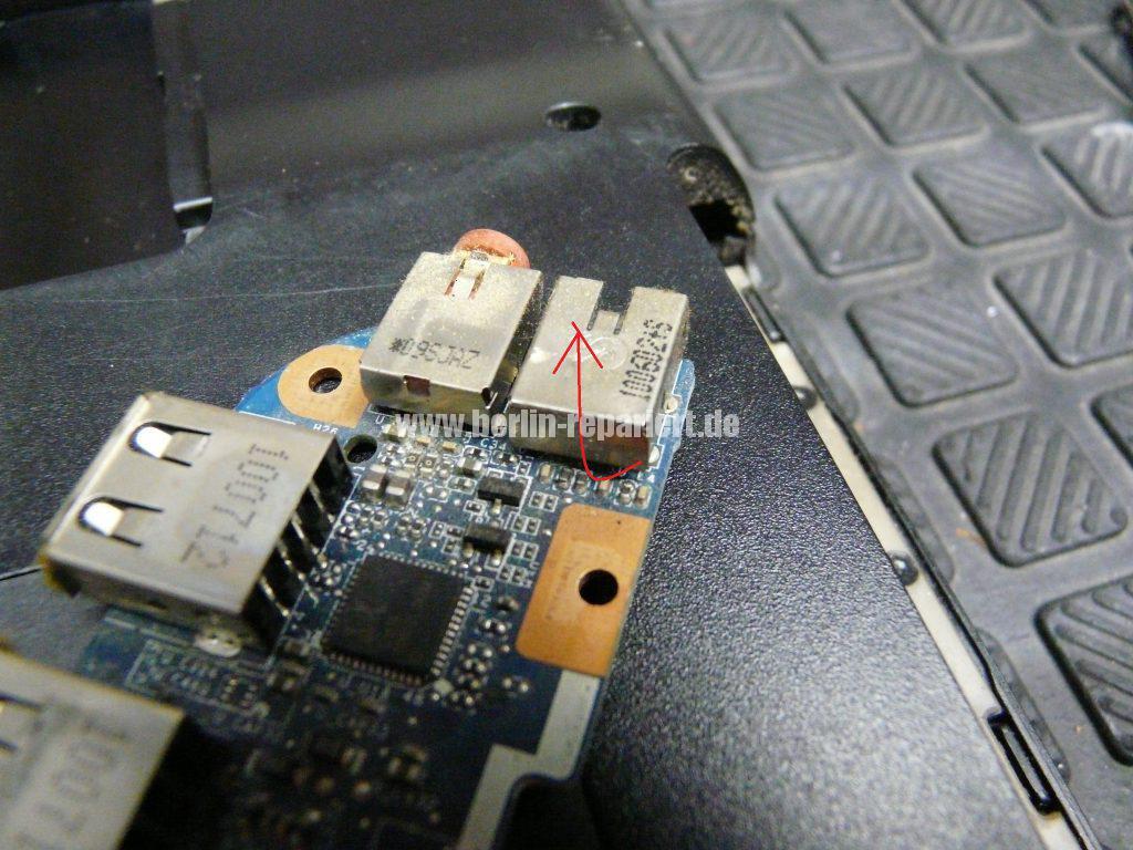 Sony Vaio VPCEB3Z1E, Kopfhörerbuchse verstopft (5)