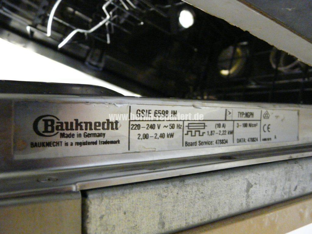Bauknecht GSIE 6598, verliert Wasser (7)