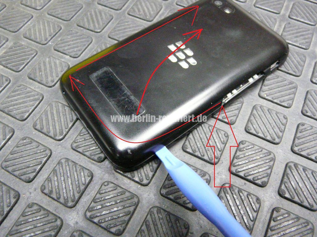 Blackberry Q5, Akku austauschen (2)