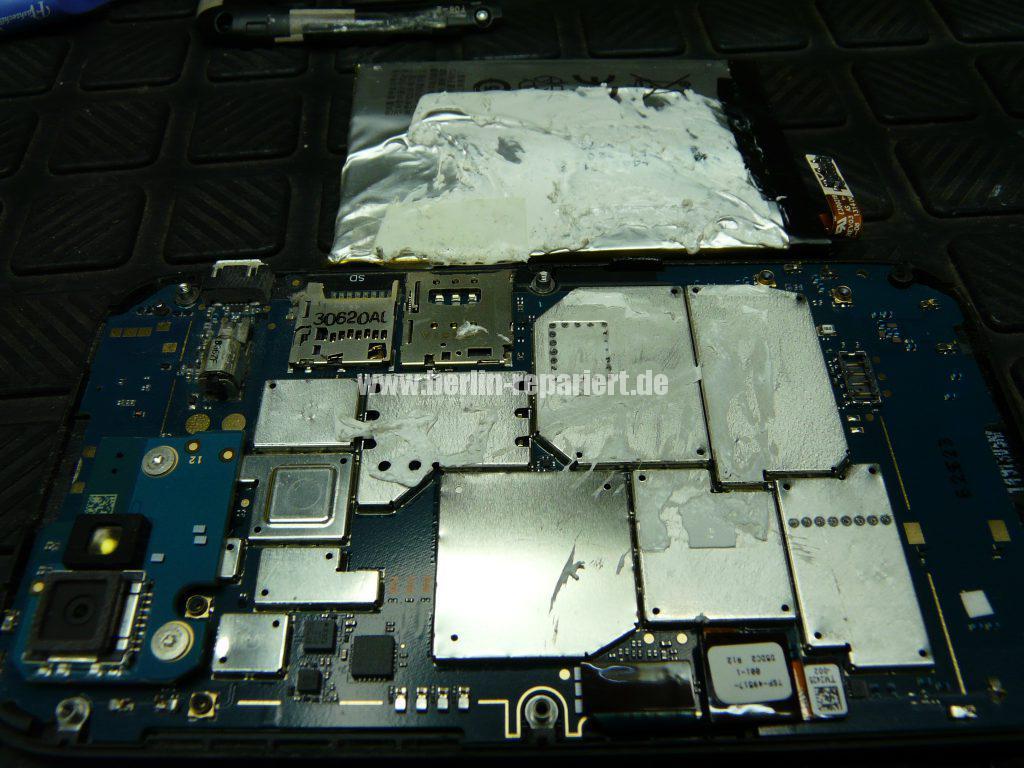 Blackberry Q5, Akku austauschen (8)