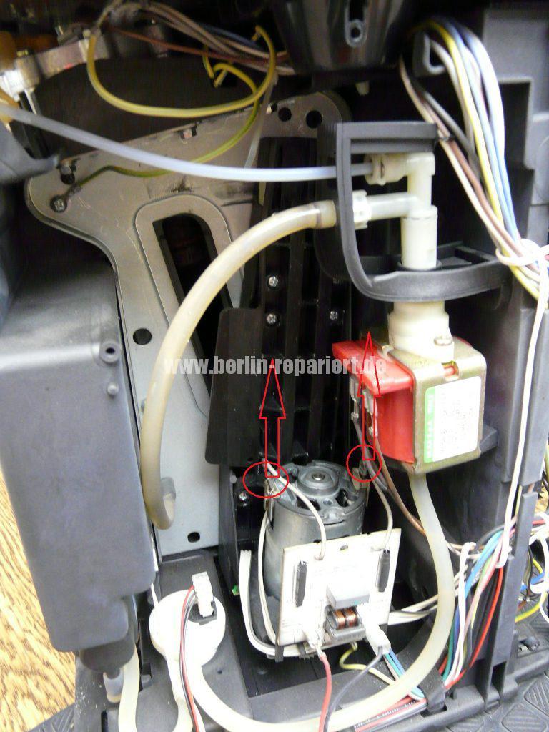 Delonghi ESAM3100, Brühgruppe klemmt (4)