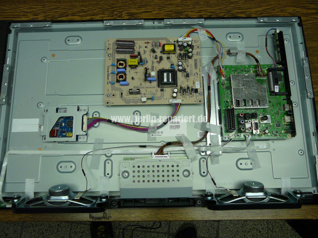 Grundig 32 VLE 675, Display Schaden (4)