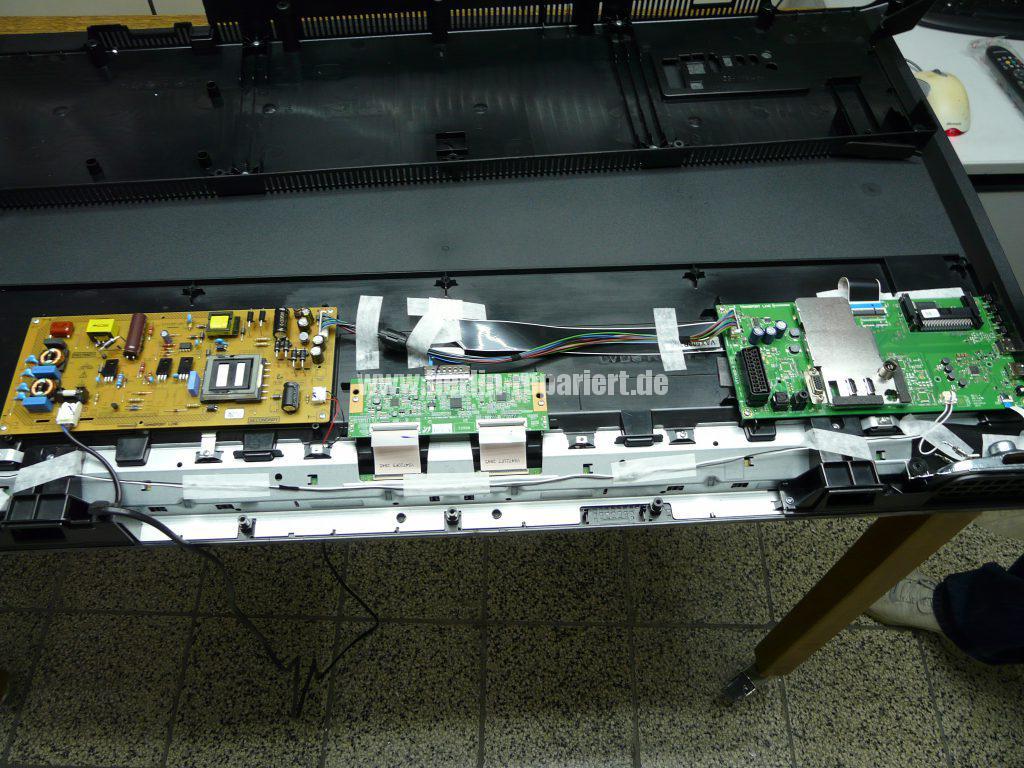 Grundig 48 VLE 4421, Display Schaden (4)