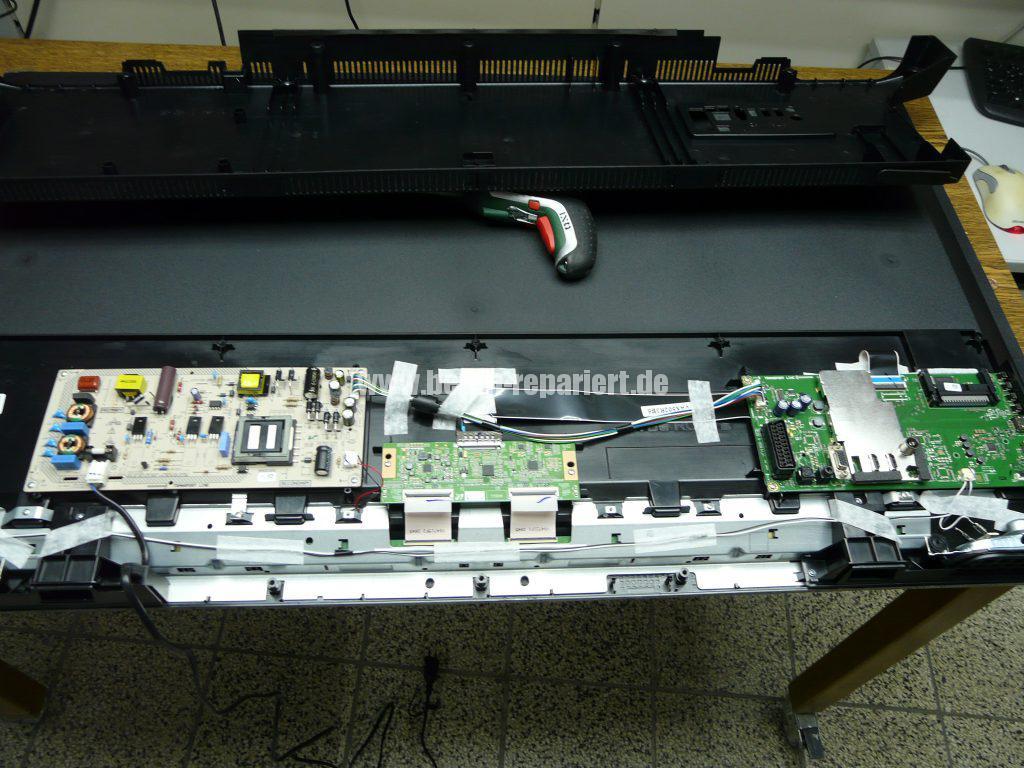 Grundig 48 VLE4421, Display Schaden (3)