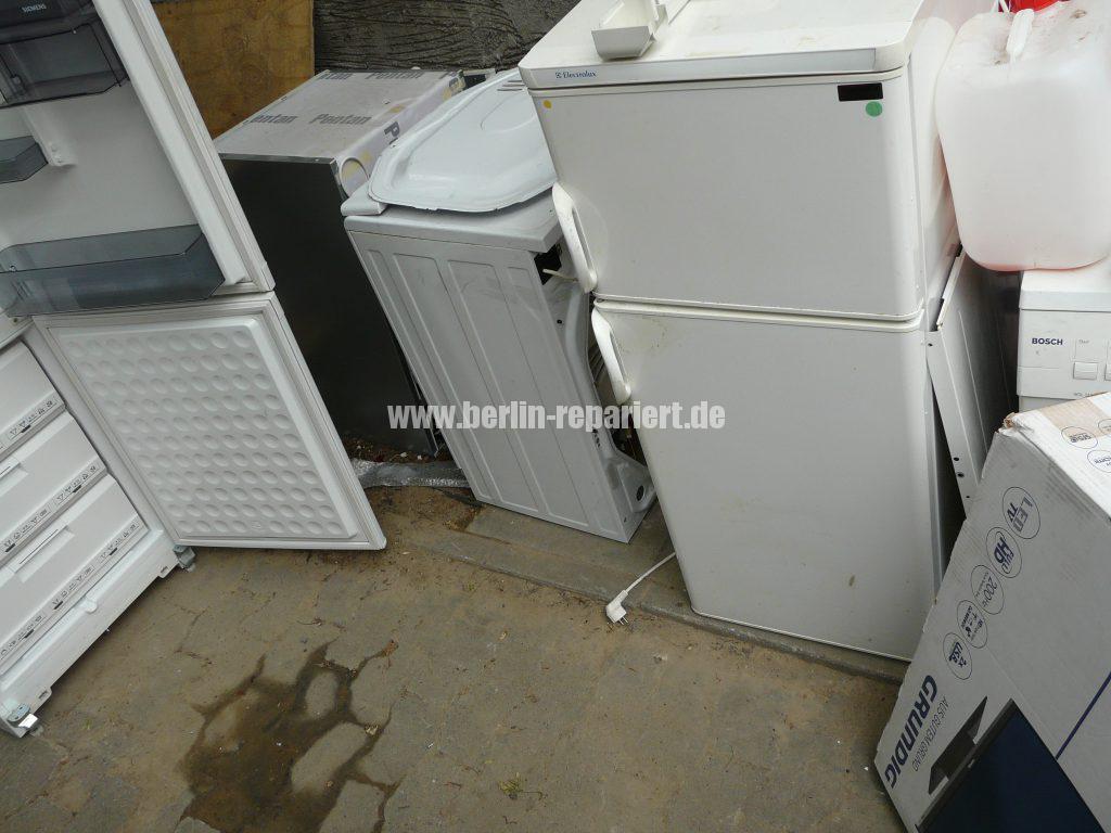 Grundig Elektroschrott und Haushalt Geräte (3)