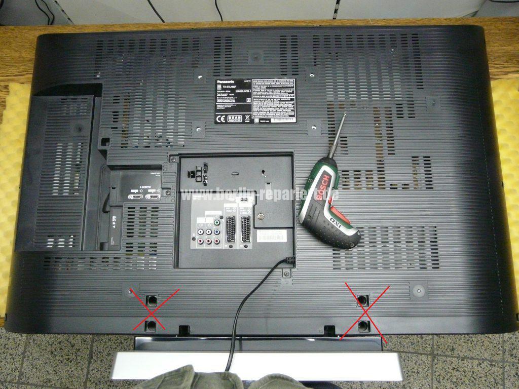 Panasonic TX-37LX85F, Grüne LED Blinkt schnell, kein Bild (2)