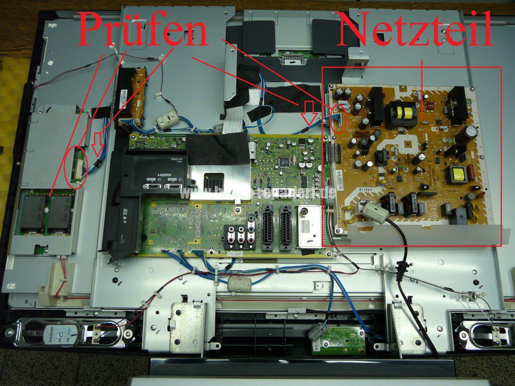 Panasonic TX-37LX85F, Grüne LED Blinkt schnell, kein Bild (3)
