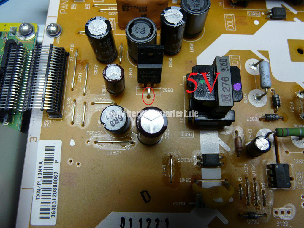 Panasonic TX-37LX85F, Grüne LED Blinkt schnell, kein Bild (4)