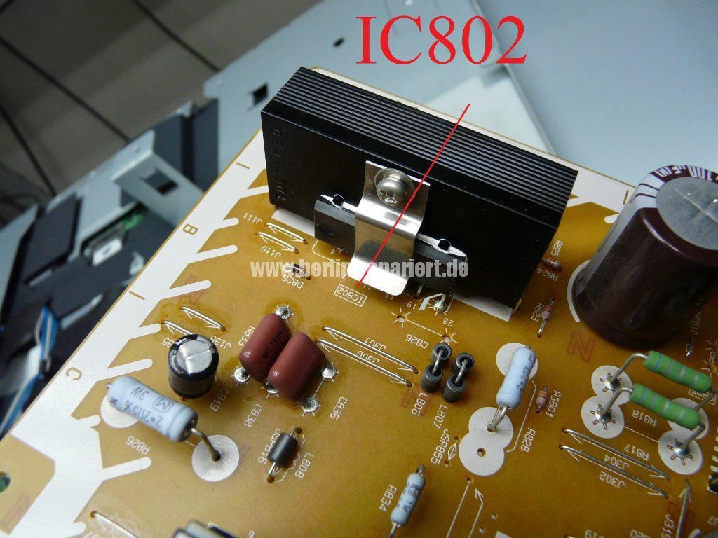Panasonic TX-37LX85F, Grüne LED Blinkt schnell, kein Bild (7)