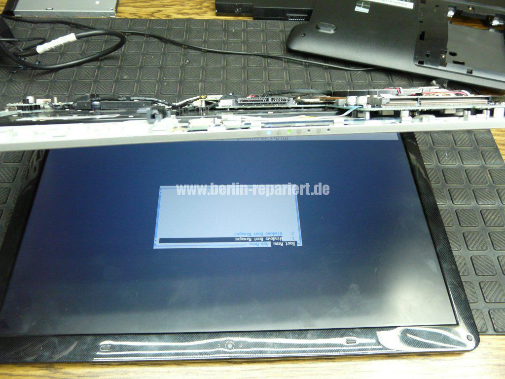 Samsung NP300E5E, keine Funktion, der Akku wird nicht geladen, Netzbuchse defekt (9)