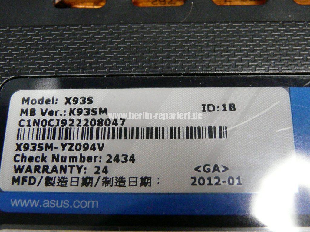 ASUS X93S, kann nicht mehr eingeschaltet werden, Power LED leuchtet, Akku wird geladen (13)