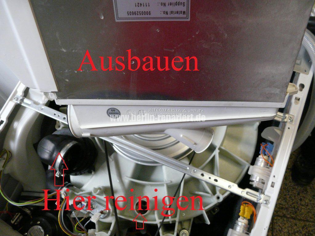Bosch Logixx 7 WVH28540, verliert Wasser (11)