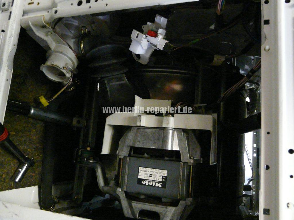 Delonghi ESAM3000B, Mahlt nicht mehr (7)
